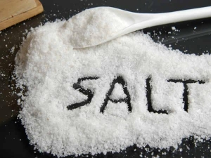 Top 8 Reasons Why We Should Not Eat Excess Salt