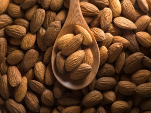 See What Happens To Your Body Of You Eat Four Almonds Everyday