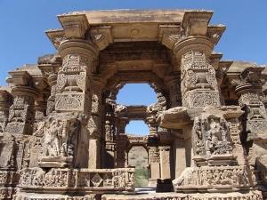 Curse On Rajasthan Kiradu Temple That Turns Humans Into Statue