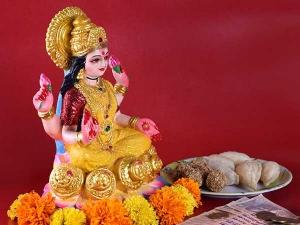 Different Ways To Attract Goddess Lakshmi This Diwali
