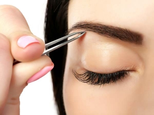 Seven Different Alternatives To Threading For Grooming Your Eyebrows