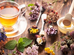 Eight Herbal Tea Rinses For Hair Growth And Strength