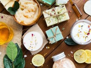 Super Effective Kitchen Ingredients For Treating Ddifferent Skin Problems