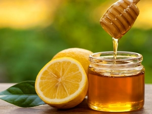 Get Beautiful And Flawless Skin With Honey And Lemon