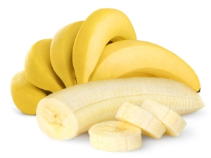 Get A Glowing Skin With These Banana Face Packs