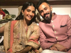 From Bride To Guests Who Wore What At Sonam S Mehendi