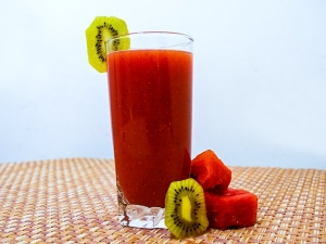 Kiwi Watermelon Juice For Detox And Weight Loss