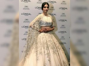 Cannes 2018 Wow Sonam S Lehenga Is What Everyone Is Talking