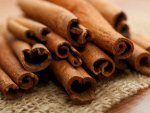 Ways You Can Use Cinnamon For Healthy Acne Free Skin