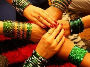 Why Women Should Prefer Green Colour During The Shravan Month