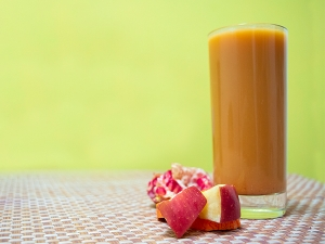 Carrot Apple Pomegranate Juice For Hemoglobin And Weight Loss