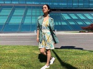 Woah Yami Gautam Looks Insanely Hot This Cute Floral Dress