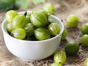 How To Use Amla For Skin Care
