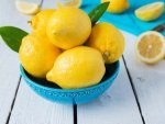 How To Use Lemon To Treat Dark Lips