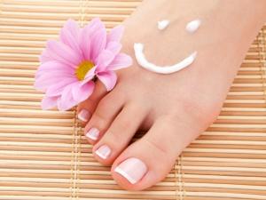Home Remedies Pamper The Feet The Rainy Season