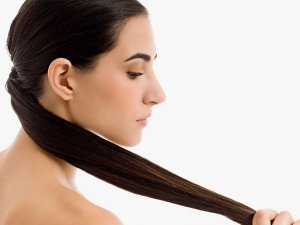 How To Use Camphor For Strong Hair
