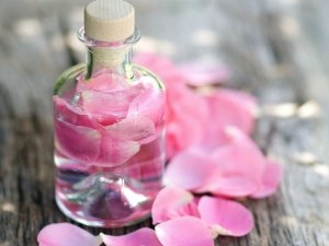 Amazing Rose Water Face Packs For Tan Removal