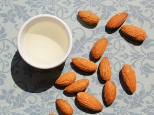 Almond Benefits For Skin Whitening