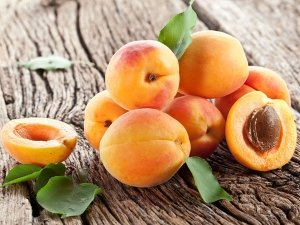 10 Surprising Health Benefits Of Apricots