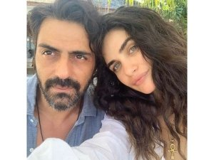 Arjun Rampal S Girlfriend Gabriella Demetriades Shares Post Pregnancy Weight Loss Picture