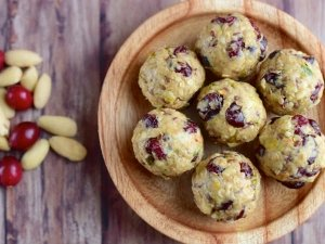 Oats Ladoo Recipe For Ganesh Chaturthi