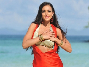 Actress Amy Jackson Shares Video Of Newborn Son Andreas