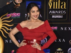 Iifa Awards 2019 Bollywood Stars Shine On Green Carpet