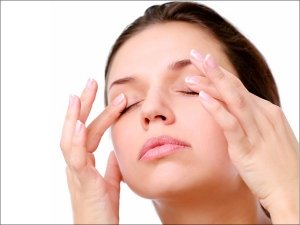 How To Avoid Puffy Eyes In The Morning Causes Prevention