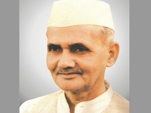 Lal Bahadur Shastri S Birth Anniversary Facts About Him And His Quotes