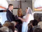 This Couple With Love For Aviation Ties Knot 34 000 Feet In The Air