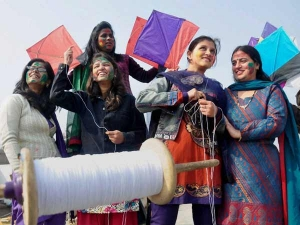 Significance Of Flying Kites On Makar Sankranti And Precautions