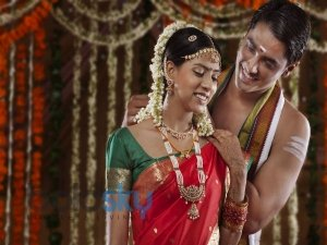 What Do Indian Couples Do On Their First Wedding Night