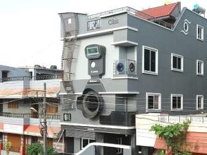 Karnataka Photographer Builds Camera Shaped House