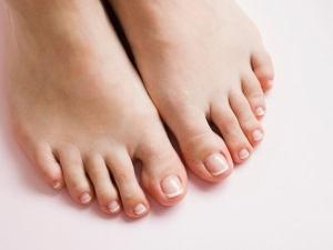 Effective Home Remedies To Whiten Dark Feet