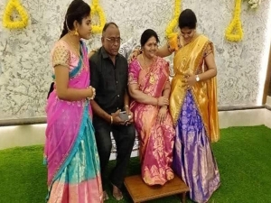 Koppal Businessman Recreated His Wife S Live Size Statue For Housewarming Ceremony
