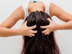 Why Does Hair Fall After Applying Oil