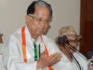Who Was Tarun Gogoi Unknown Facts About The Congress Veteran