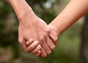 How You Hold Hands With Your Partner Tells A Lot About Your Personality In Telugu