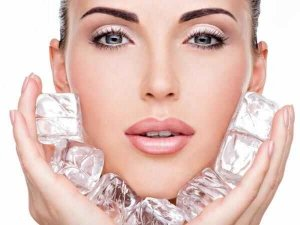 Beauty Benefits Of Ice Cube On Face In Telugu