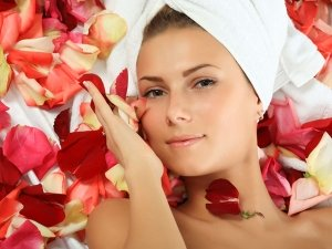 Rose Water Benefits For Your Skin Hair Body In Telugu