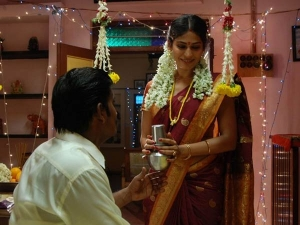 Reasons Why Indian Brides Enter Bedroom With A Glass Of Milk