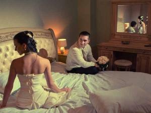 Romantic Bedroom Ideas That Set The Mood